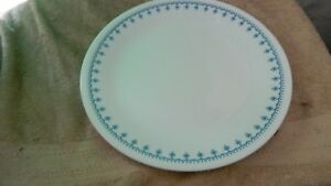 Image is loading CORELLE-SNOWFLAKE-BLUE-DINNER-PLATES-10-25-IN- & CORELLE SNOWFLAKE BLUE DINNER PLATES 10.25 IN SET OF FOUR FREE USA ...