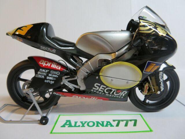 MINICHAMPS 1/12 APRILIA RSV 250 Marco Melandri 2002 MotoGP ...