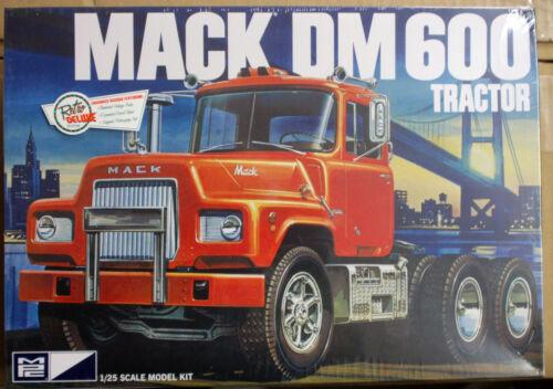 1:25 MPC 859  2016 wieder neu Mack DM 600 Tractor Zugmaschine US Truck Lkw