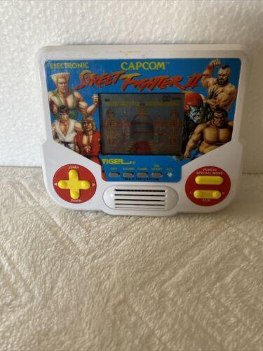 Vintage 1988 Tiger Electronics Street Fighter II Handheld Game Tested /& Works
