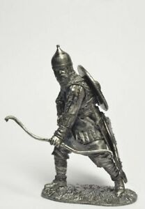 XIX century 54 mm Tin soldier The Indians Warrior of the Crow tribe figure