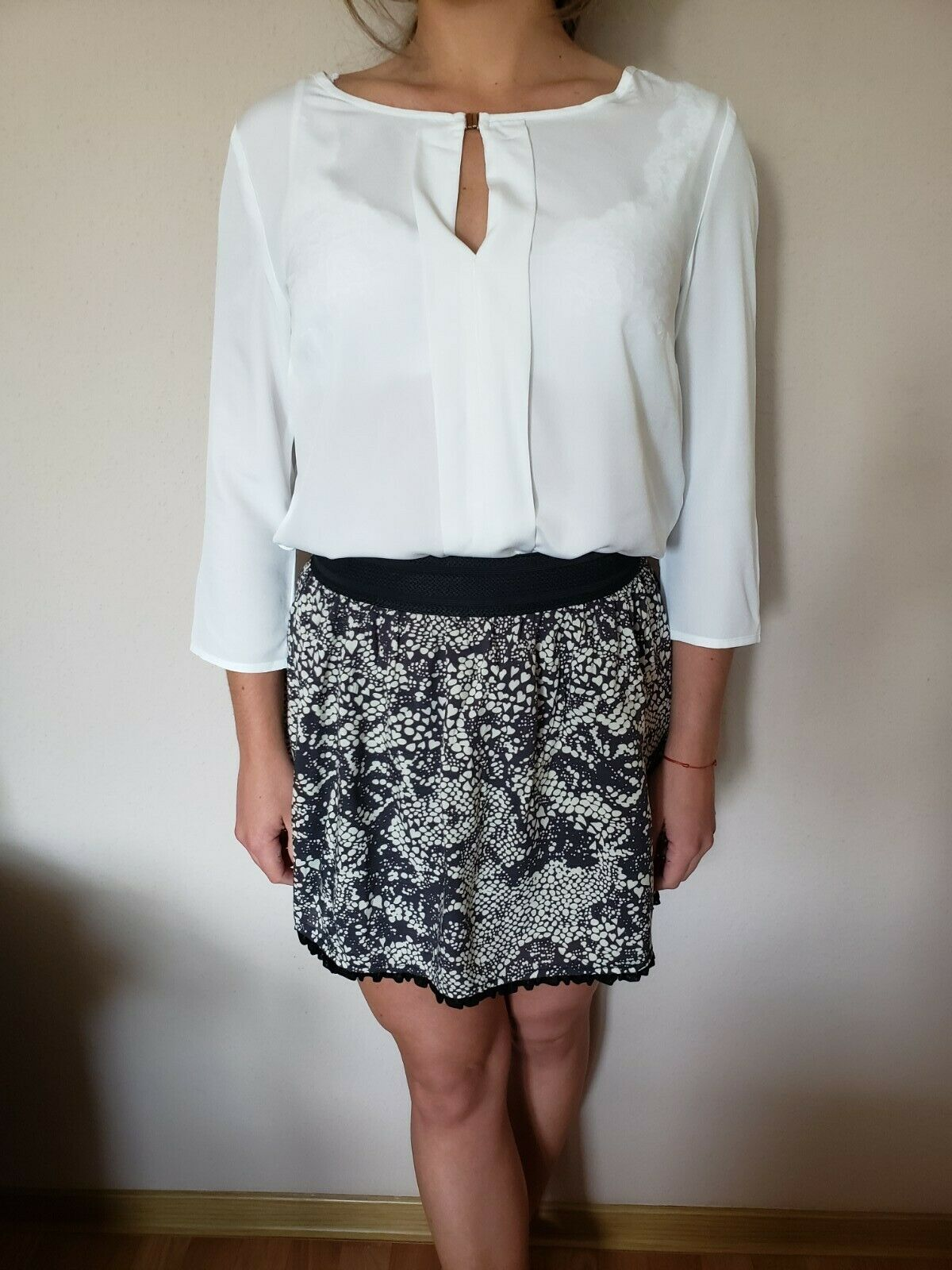 Damen Outfit: Rock, Only, Gr. XS + weiße Bluse, H&M, Gr. 36