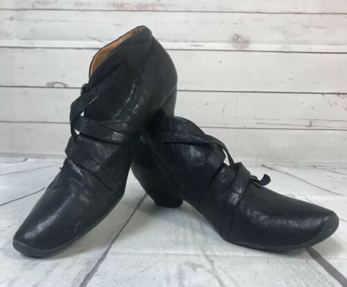 Think Womens Leather Shoes Size 37 Black Short Hee