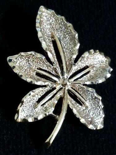 Vintage Signed SARAH COVENTRY Gold-Tone Metal Ivy #6782 Leaf Pin Brooch BR-49