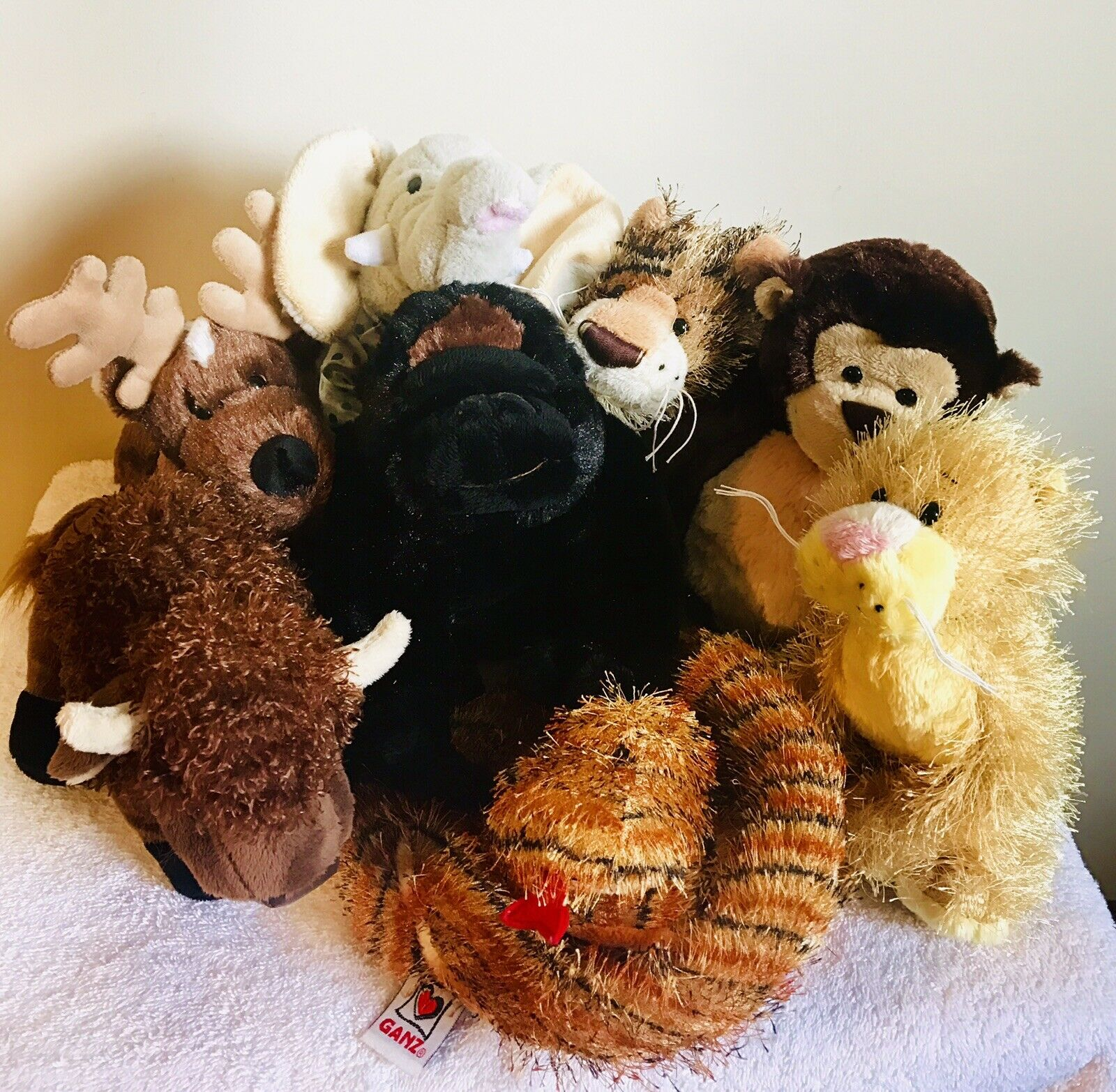 Ganz Zoo Animals, Lot Of 8, Gorilla, Reindeer, Lioness,Elephant, Leopard,Buffalo