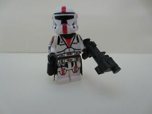 Lego Star Wars Arc Trooper W// Capes /& 2x Small Guns from set 9488