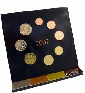 Portugal-KMS-2007-1-Cent-bis-2-Euro-Kursmuenzensatz-Stempelglanz-im-Folder
