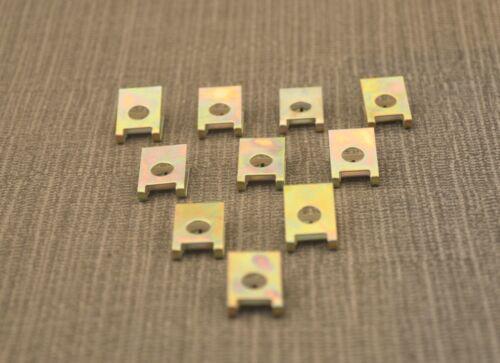 SKODA in Metallo Splash Guard interni stampaggio tagliare clip di fissaggio Rivet