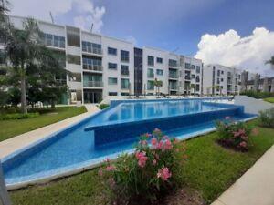 Departamento en Venta en Cancun Residencial Long Island 2 Rec 2 Banos Alberca y Seguridad