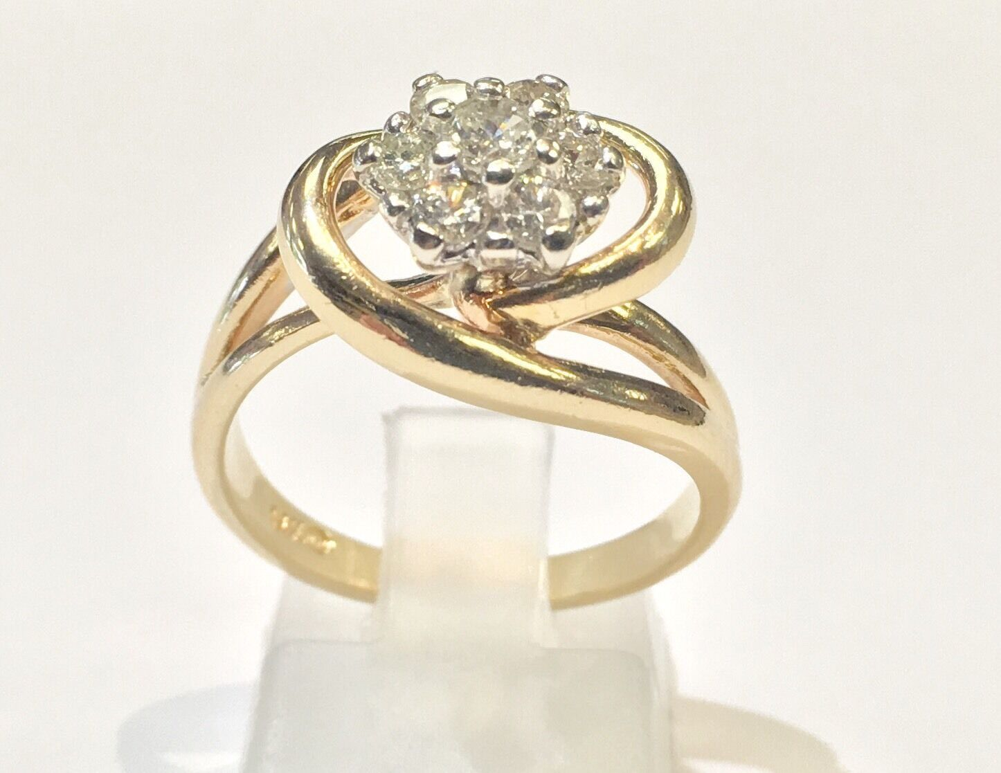 14k Solid Yellow gold Seven Diamond Woman's Ring. 1 2 TCW. Size 6.5
