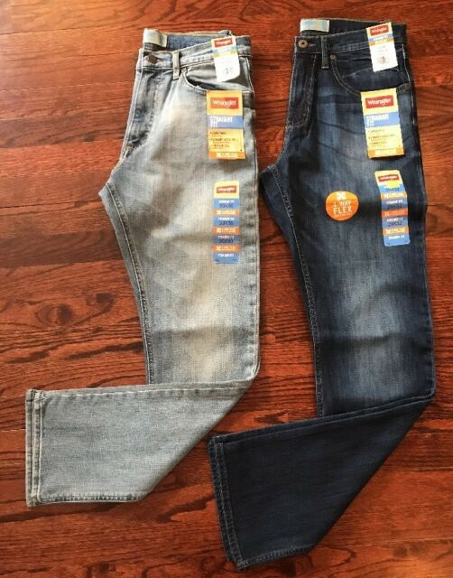 33229ecb Wrangler Men's Straight Fit Jeans - 4 Way Flex for Comfort 38x30 ...