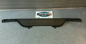 OEM NEW Rear Center Bumper Step Pad Black 99-07 Silverado Sierra Suburban Tahoe