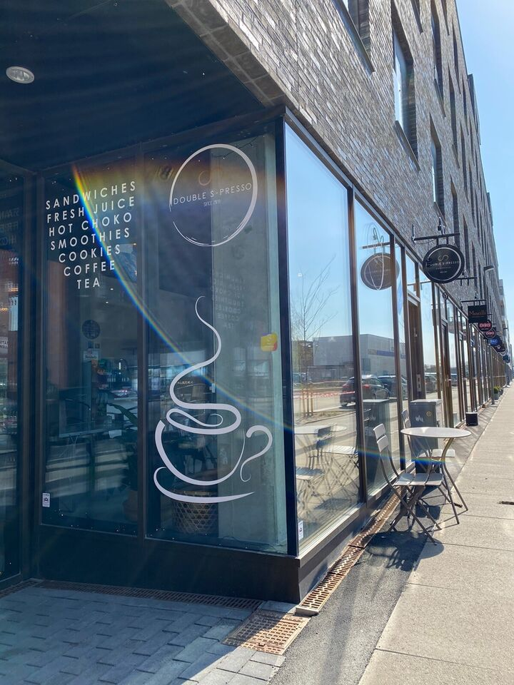 Super hyggelig fuldudstyret cafe -lav husleje!