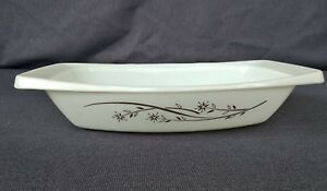 Vintage Pyrex 055 Golden Honeysuckle Baking Serving Dish 2 1/2 Qt - No Lid