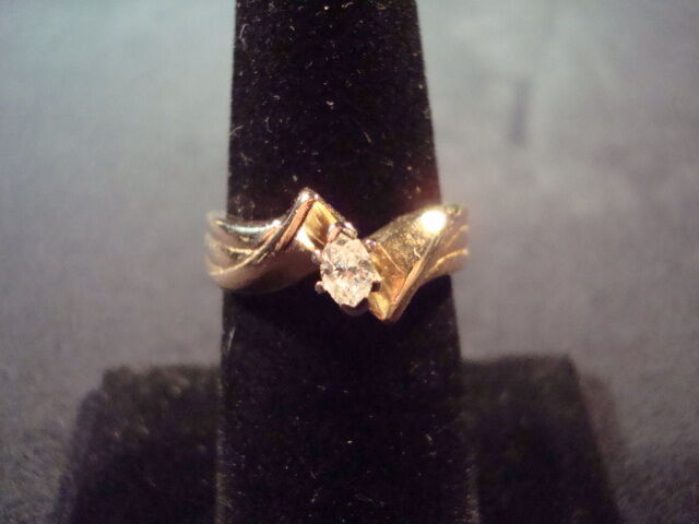 14K yg Marquise Diamond Solitaire - 4.9 Grams - Sz. 6.5 - .29cttw ( GDB7)
