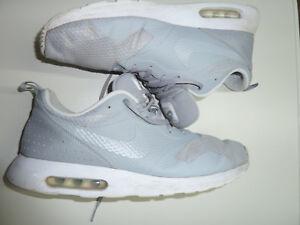 Details zu Nike AIR MAX Tavas Gr. 46 US 12 30 cm grey white Nike # 705149 028