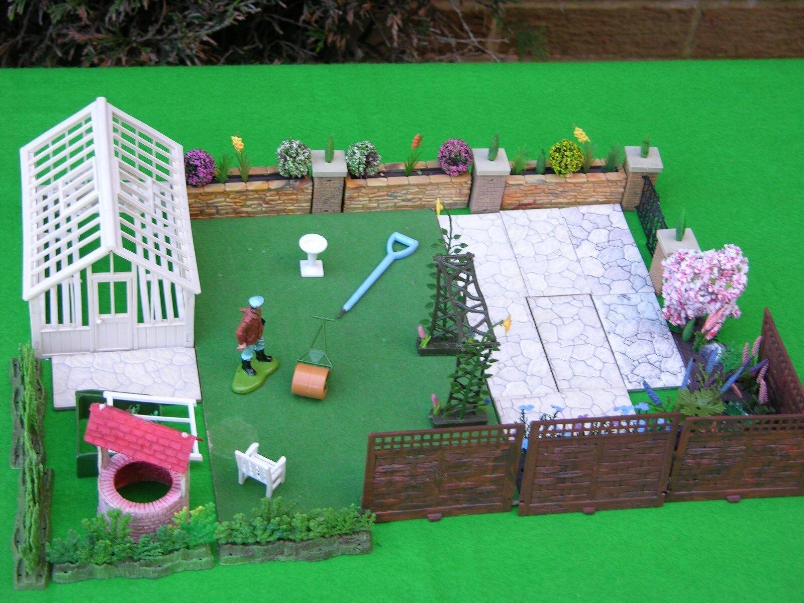 Britains Floral & Garden, Garden Scene, Set  3, Job Lot