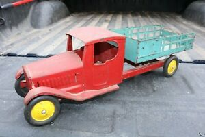 Steelcraft-Farms-Stake-City-Delivery-Truck-1930s-Pressed-Steel-repainted