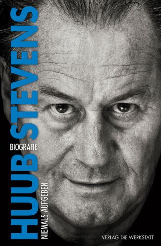 1 von 1 - Huub Stevens - Niemals aufgeben Biografie (2017, Hardcover)