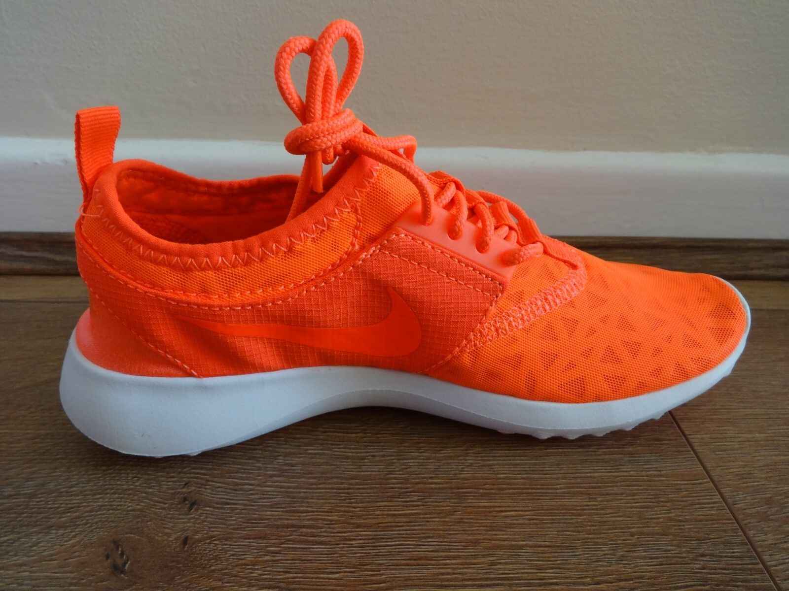 Nike Juvenate womens trainers shoes 802 sneakers total crimson 724979 802 shoes NEW 754ddd