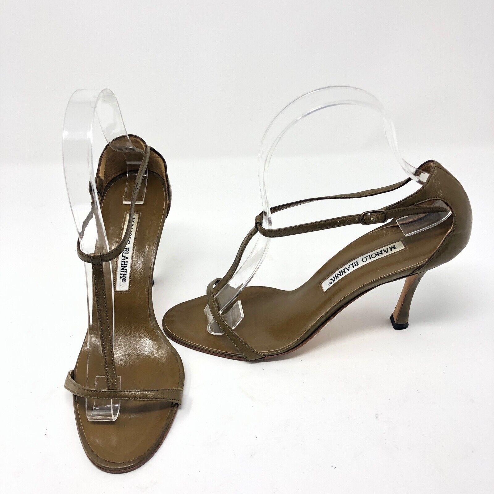 Manolo Blahnik verde Khaki Leather Open Toe Ankle T Strap Pumps Heels scarpe 6.5