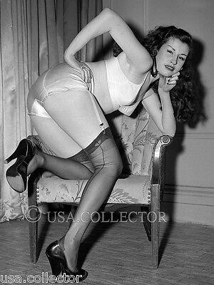 ORIGINAL VINTAGE 1950s SALLY LANE PINUP NEGATIVE IRVING KLAW GARTER HEELS 8225