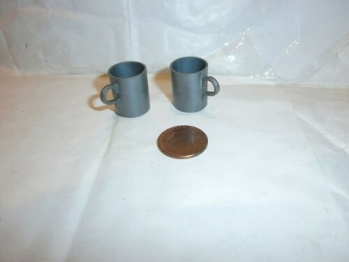 Vintage action man mugs x 2 1//6th scale toy accessory