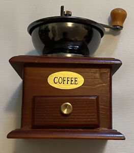 Vintage-Wooden-Hand-Coffee-Grinder