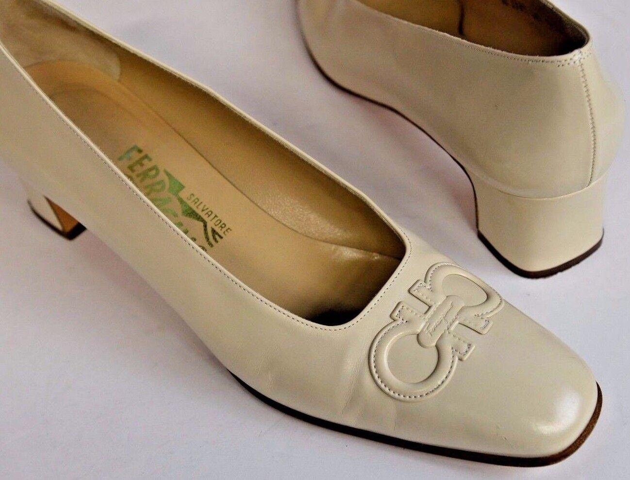 Salvatore Ferragamo Sz 9.5 AA Off White Ivory Leather Logo Bit 1.75 Block Heel