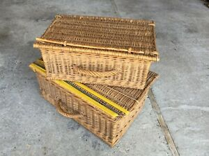 Set-of-2-Antique-Baskets-Wicker-in-spades-Picnic-Vintage-Years-1950