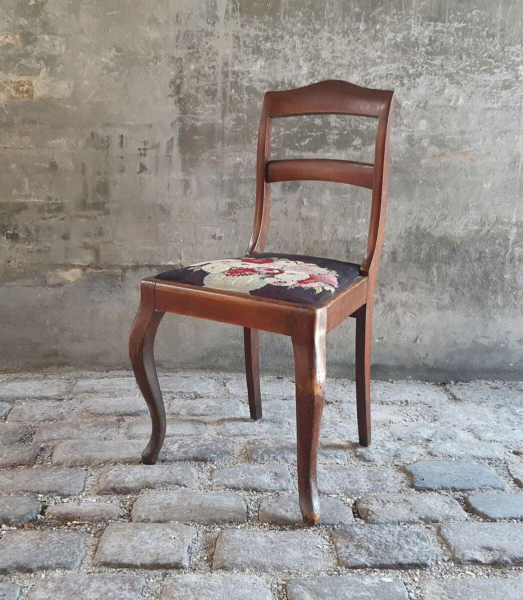Spisebordsstol, Almuestol, træ og broderi, Antik mahogni