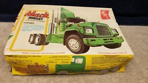 Vintage-AMT-Mack-R685ST-Truck-Tractor-1-25-Scale-Boxed-Sealed