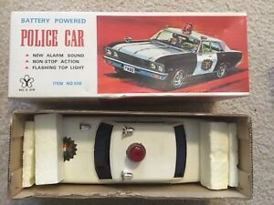 Chevrolet-Vintage-Yonezawa-Japan-Police-Toy-Car-Battery-Operated-Bump-N-Go