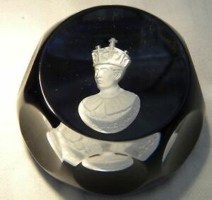 CRISTALLERIES-D-039-ALBERT-SULPHIDE-PAPERWEIGHT-PRINCE-OF-WALES
