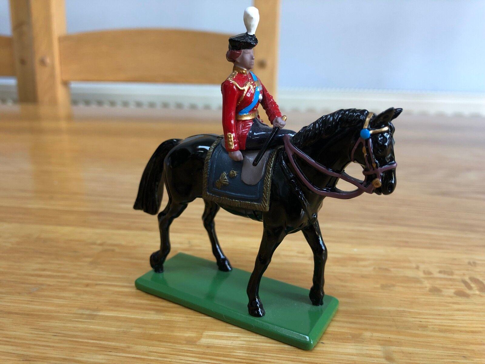 W. BRITAINS 41075 BRITISH HRH QUEEN ELIZABETH II MOUNTED ON HORSE - 1988