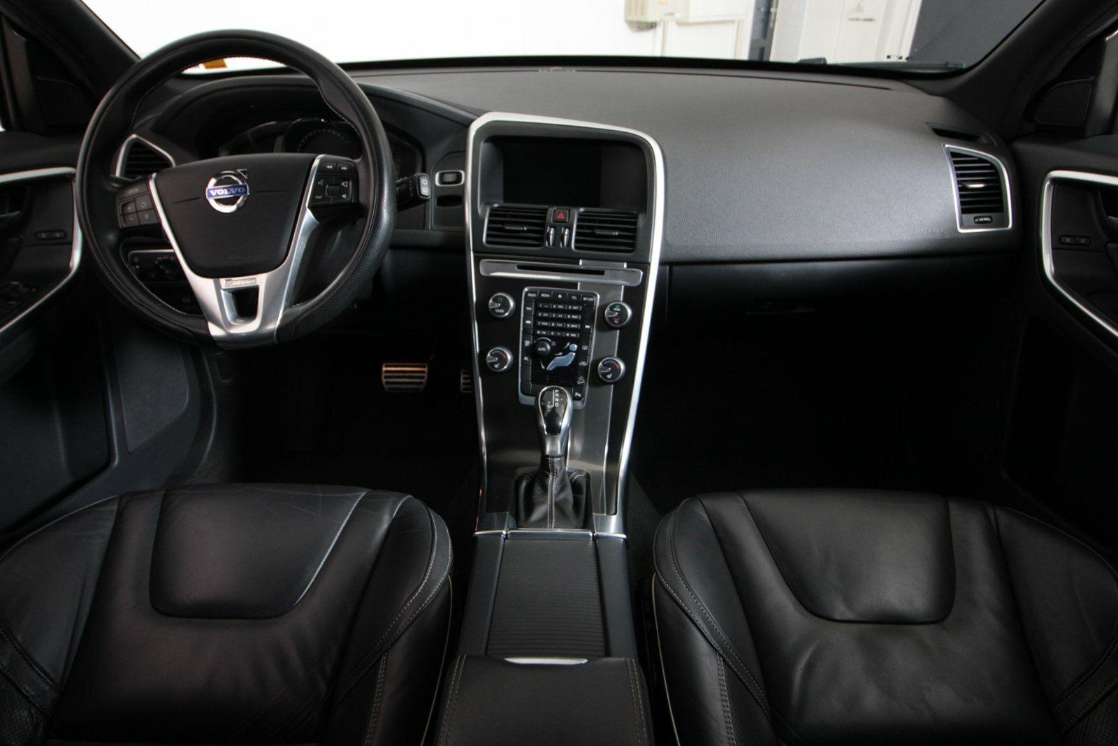 Volvo XC60 D5 215 R-Design aut. AWD Van