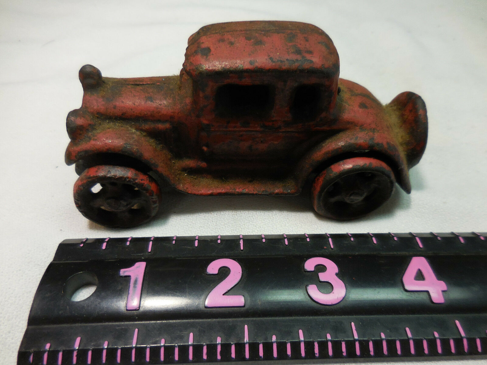 Unmarked Antique Antique Antique Cast Iron rosso Coupe Toy Car 69bf8d
