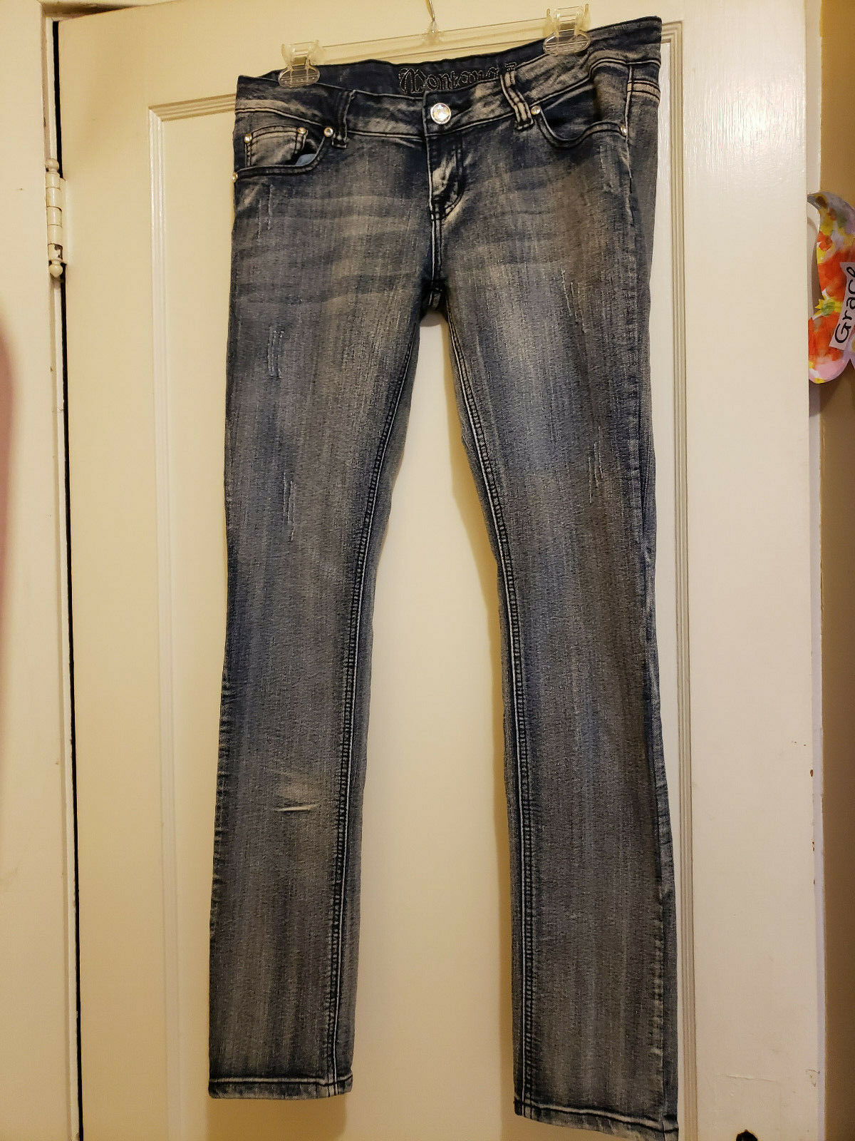 Montana Distressed Rhinestones Size 9 10 Stretch Junior Womens Skinny Jeans EUC
