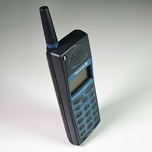 Nice-Vintage-Retro-Brick-GSM-Cell-Phone-Ericsson-A1018s-Blue-Tested-Unlocked