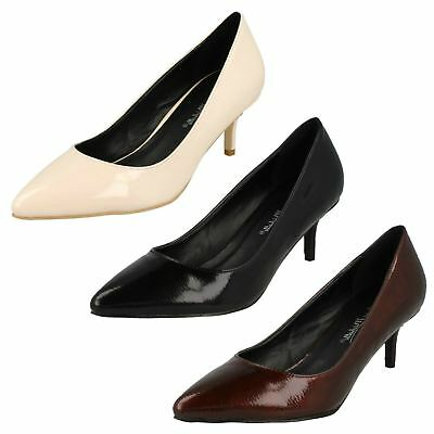 """Spot On F9952 Ladies Black Patent Slip On 3/"""" approx Kitten Heeled Court Shoes"""