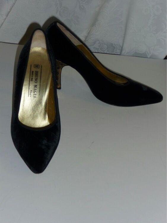 Bruno Magli Velvet Nero Ornate oro Metallic  Pump Heels 8.5 AA EUC Luxe  scelte con prezzo basso
