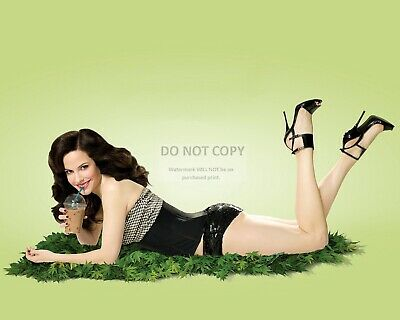 8X10 PUBLICITY PHOTO SP407 ACTRESS MARY-LOUISE PARKER PIN UP