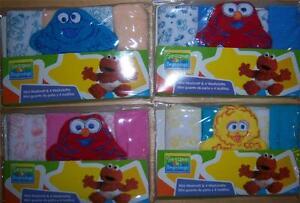 SESAME-STREET-BEGINNINGS-MINI-WASH-MIT-amp-CLOTHS-Elmo-Cookie-Monster-Big-Bird