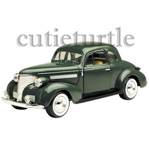 Motormax 1939 Chevrolet Coupe 1:24 Diecast Model Car 74247D Green