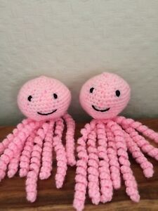 cuddly toy-shower-gift-comforter crochet octopus for premature babies