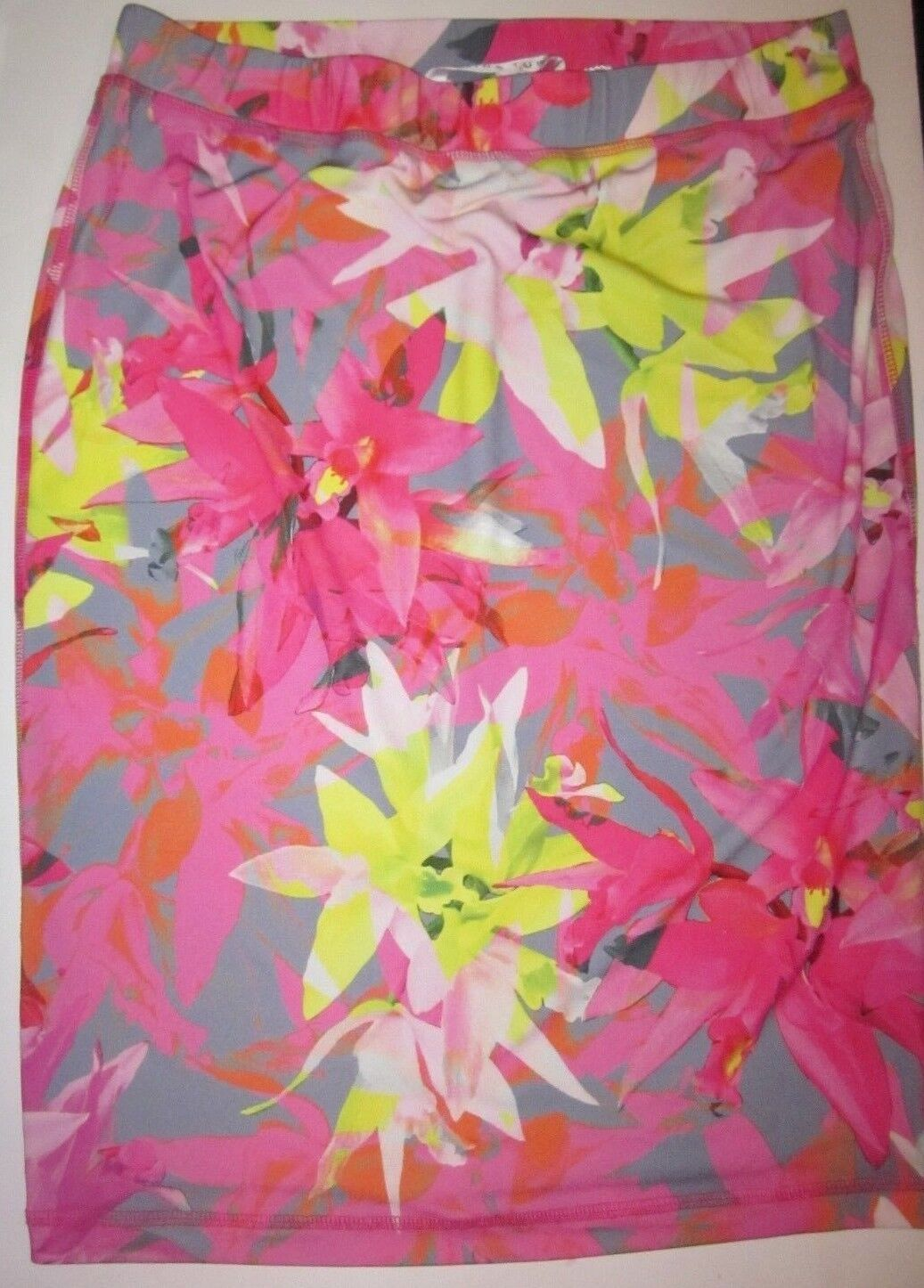 TRINA TURK Floral Print Stretch Pull On Skirt size Large NWT
