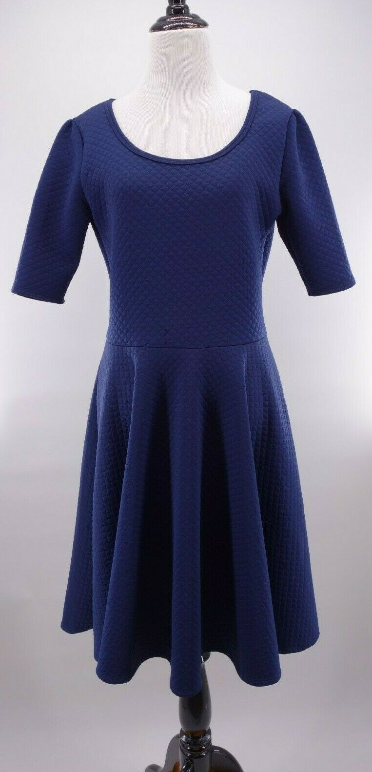 LuLaRoe Größe Large Solid Navy Blau Quilted Fabric Nicole Tea Fit & Flare Dress