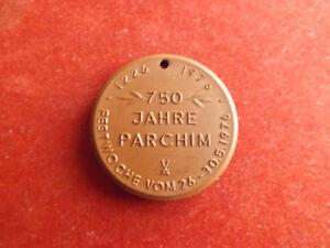 *meissen Porzellan Medaille 1976 * 750 Jahre Parchim *ca,39mm (schub18)