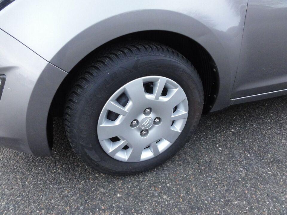 Hyundai i20 1,25 Comfort Benzin modelår 2012 km 146000