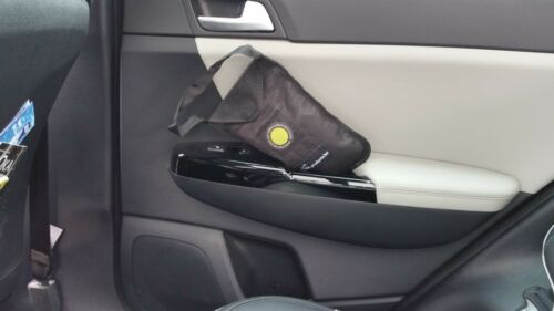 With anti slip 1 kg CAR//HOME DEHUMIDIFIER BAG MOISTURE ABSORBER//RECHARGEABLE